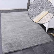 teppich wohnzimmer in hell grau flauschig microfaser dicht gewebt weich vimoda homestyle