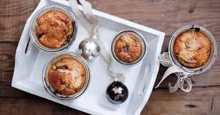 pflaumen marzipan kuchen im glas
