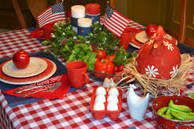 Casual Kitchen Table Centerpiece Ideas by 13 Most Festive Décor Ideas For A Successful Memorial Day
