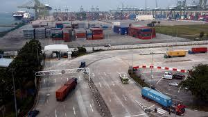 100 Area Trucks Selfdriving Trucks Will Soon Haul Cargo Between Shipping Terminals