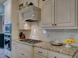 küchenfronten reinigen so glänzen schränke aus kunststoff