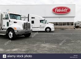 100 Peterbilt Trucks Pictures Trucks Outside Of A Motors Company Facility In