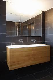 waschtisch in corian möbel in eiche massiv badezimmer