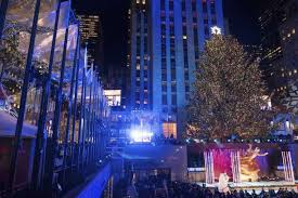 Rockefeller Plaza Christmas Tree Lighting 2017 by Rockefeller Christmas Tree Lighting Attracts Thousands Wtop