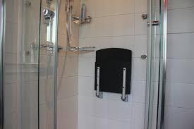 siege salle de bain adapté pour personne à mobilité réduite salle de bain