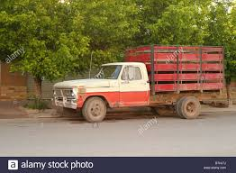 100 Cattle Truck Old Cattle Truck In Front Of Trees Stock Photo 21900470 Alamy