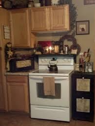 Primitive Decor Kitchen Cabinets by Best 20 Primitive Kitchen Cabinets Ideas On Pinterest Primitive