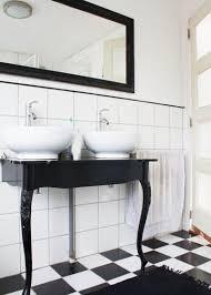 12 gorgeous black and white bathrooms