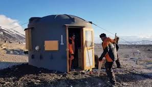 100 Antarctica House Plastic Tanks Shipped To To House Staff Restoring