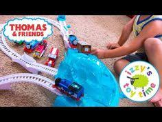 Trackmaster Tidmouth Sheds Youtube by Thomas And Friends Trackmaster Thomas Busy Day Starter Set