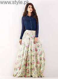 Sarwat Gilani Looks Amazing In This Floral Printed Skirt And A Simple Black Shirt