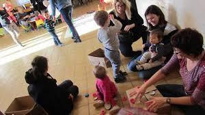 des ateliers jeux et peinture pour les tout petits