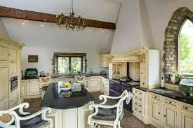 küche möbel im landhausstil liebevoll dekoriert