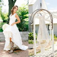 2017 Rustic Cowgirl Boots Lace Wedding Dresses Boho Country Bridal Applique Gowns V Neck Bohemian Custom Made