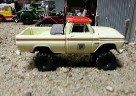 Custom Lifted1/64 CHEVROLET C-20 1964-66 Farm 4x4 Chevy Truck DCP ...