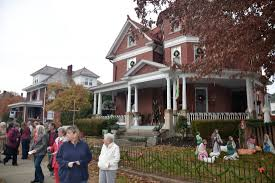 Halloween Attractions In Parkersburg Wv by Parkersburg Vienna Residents Open Doors For Holly Trail Tour Of