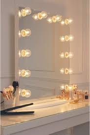 Vanity Set With Lights For Bedroom by Best 10 Hollywood Mirror Ideas On Pinterest Mirror Vanity