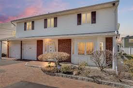 100 Houses For Sale Merrick 3358 Robbin Ln NY MLS 3011318 The Gandolfo Team 516