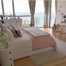 schlafzimmer mit ausblick haus deko günstige wohndeko zimmer