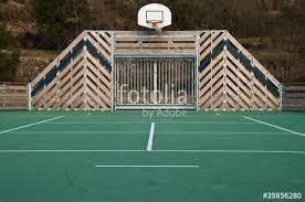 terrain de basket exterieur terrain de basket extérieur photo libre de droits sur la banque d