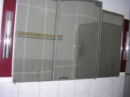 details zu badezimmer kombination weinrot spiegelschrank waschtischunterschrank neuwertig