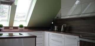 küche weiß hochglanz nußbaum häfele functionality world