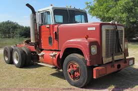 1972 International 4300 Semi Truck | Item G4202 | SOLD! Octo... Seattles Parked Cars 1972 Intertional 1110 Ugly Trucks And Rm Sothebys Loadstar 1600 Tractor Private Old Parked Cars 1974 Harvester 100 File1973 1210 V8 4x2 Long Bedjpg Wikimedia Commons F2000d Semi Truck Cab Chassis Item Pickup Information Photos Momentcar Ih Sseries Wikipedia Classic 10 Series For Photo Archives Old Truck Parts Scout Ii T135 Louisville 2016
