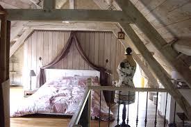 chambre dans comble deco chambre sous comble chambre sous toit une chambre avec