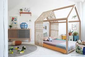 cabane dans la chambre lit cabane enfant quel modèle choisir pour votre enfant