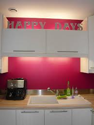 cuisine mur framboise dacoration cuisine couleur framboise galerie avec mur couleur