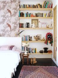 nicht nur für lange lesenächte schlafzimmer mit bücherregalen