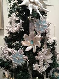 Seashell Christmas Tree Garland by 280 Best Seashell Ornaments Trees U0026 Decorations Images On