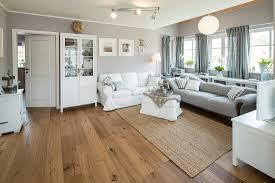 modernes nordisches wohnzimmer im bild kaufen 71230378