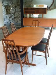 schwarzer esszimmer tisch und stühle stuhlede tisch