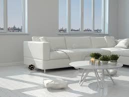 weiße tabelle und stühle am modernen wohnzimmer stock