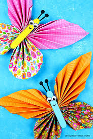Adorable DIY Accordion Folded Paper Butterflies Craft For Tweens