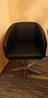 dieter knoll stuhl lucca schwarz mit drehgestell sehr gut