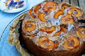 rezept für aprikosen walnuss kuchen mit lavendelblüten