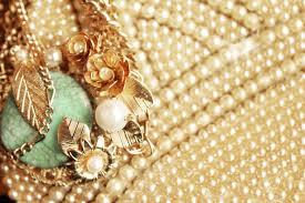Broach Pearls Vintage 38974 Hi Resolution