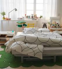 chambre blanche ikea 12 idées d aménagement pour une chambre à coucher