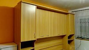 schlafzimmer bett überbau komplett mit schränken und nachtkonsole