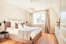 75 große schlafzimmer mit rosa wandfarbe ideen bilder