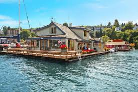 100 Lake Union Houseboat For Sale Report Sleepless In Seattle Houseboat On Sells