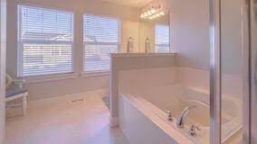 panoramarahmen frische saubere moderne badezimmer hell