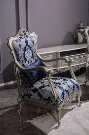 casa padrino luxus barock sessel blau silber 75 x 70 x h 117 cm wohnzimmer sessel mit elegantem muster und dekorativem kissen barock möbel