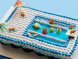 Pull Apart Pool Cupcake Cake