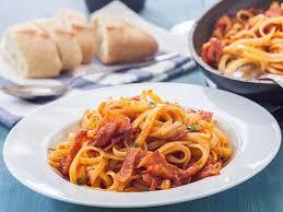 pates a l amatriciana spaghetti all amatriciana une recette soscuisine