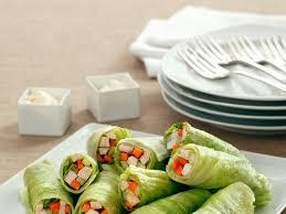 salatröllchen mit hähnchenfüllung und frischer mayonnaise