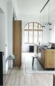 porte de la cuisine porte cuisine vitrace stores fenetres with store vnitien bois