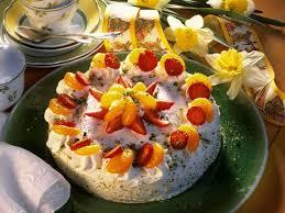 käse sahnetorte mit früchten